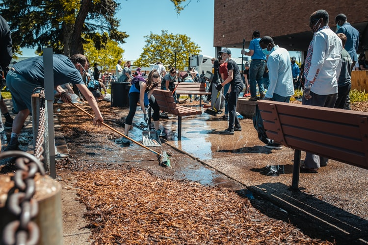 Volunteering for Non-profits Can Improve Your Well-Being